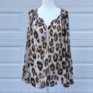 🐆 Old Navy Cheetah Print Blouse 🐆